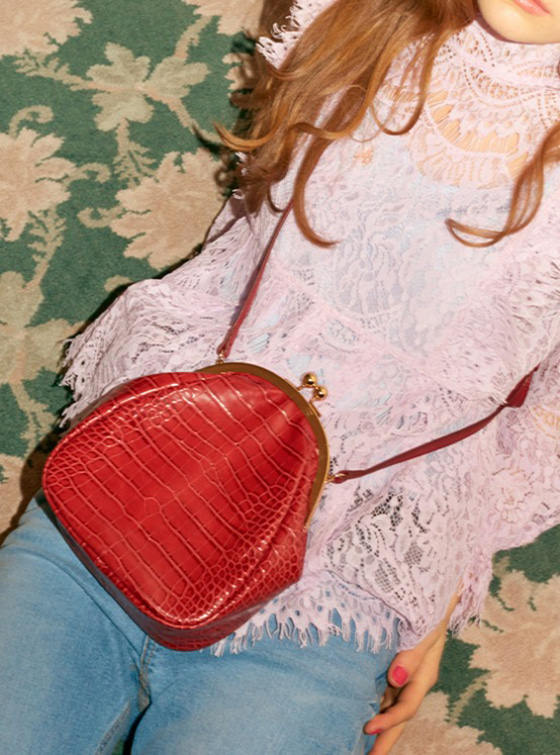 Vintage Mock Croc Bag in Red VX9SG0250
