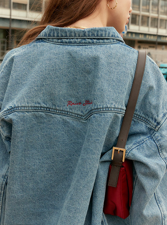 Oversized Denim Shirt Jacket in Blue_VJ0SJ1100