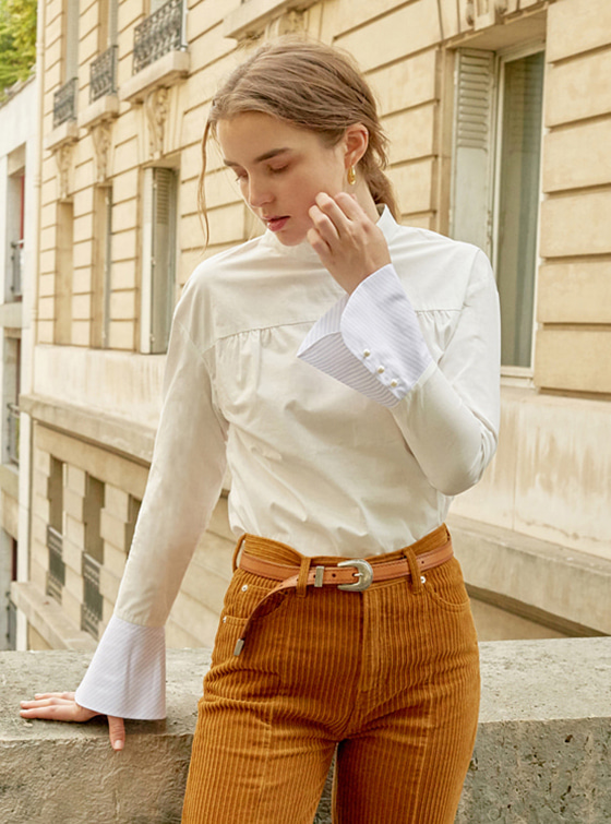 Long Cuffs Shirt in White